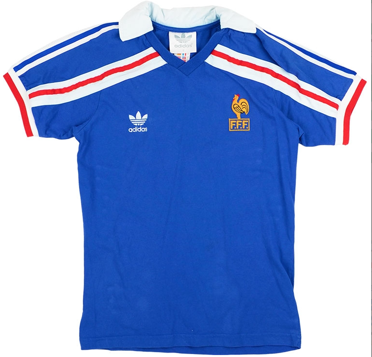 https://www.classicfootballshirts.co.uk/1985-90-france-home-shirt-s-213867.html